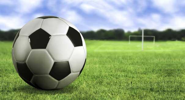 ws_Soccer_ball_on_the_grass_1920x1200.jpg