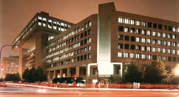 FBI_Headquarters_at_night.jpg