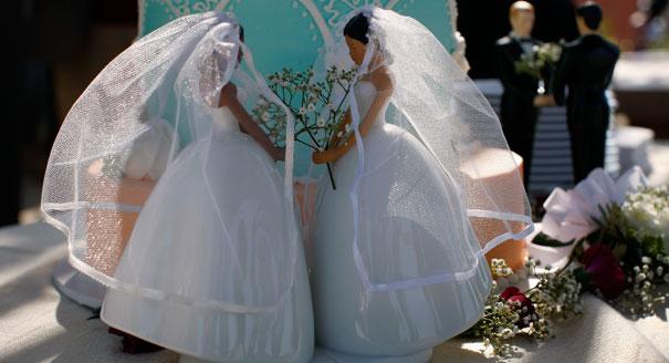 gay-wedding-cakes.jpeg