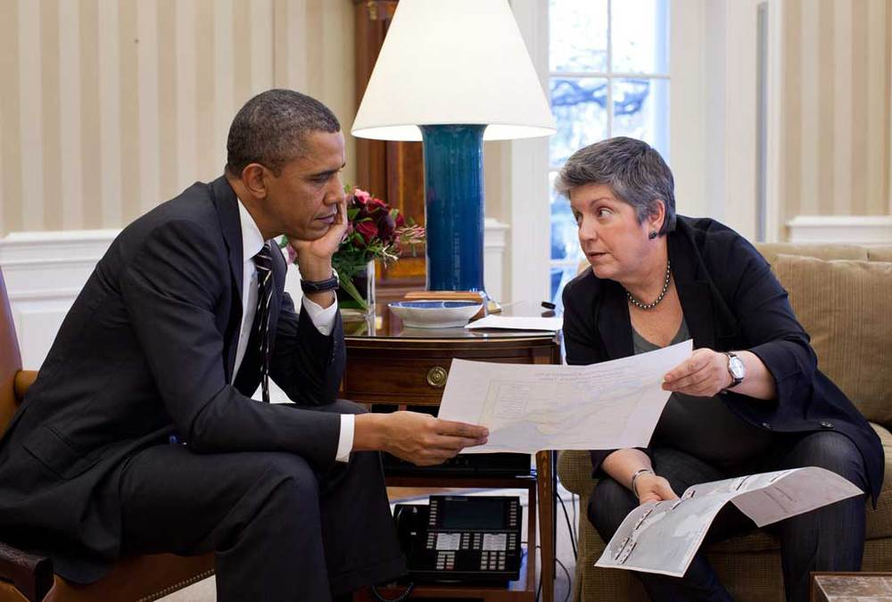 2012-01-31-hq-napolitano-and-obama-in-oval-office.jpg