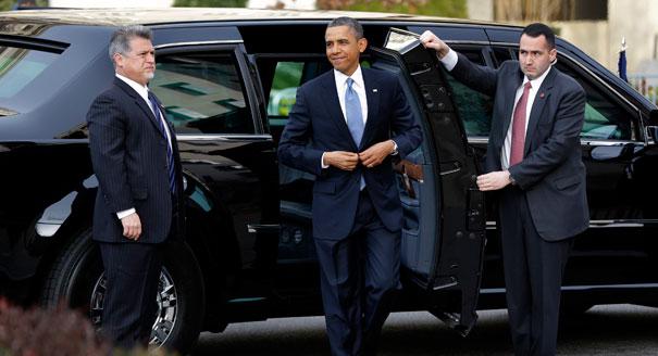 130121_obama_arrives_605_ap.jpg