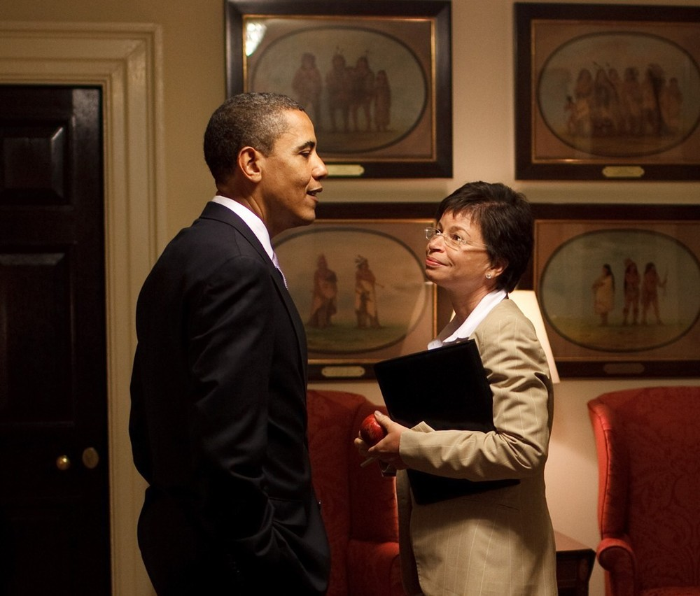 President Barack Obama and Senior Advisor Valerie Jarrett chat outside the Oval Office in the White House, June 12, 2009. (Official White House Photo by Pete Souza)This official White House photograph is being made available for publication by news organizations and/or for personal use printing by the subject(s) of the photograph. The photograph may not be manipulated in any way or used in materials, advertisements, products, or promotions that in any way suggest approval or endorsement of the President, the First Family, or the White House.