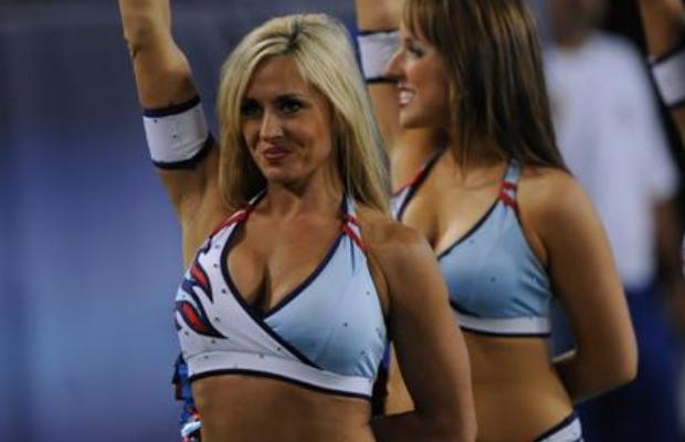 NFL-cheerleader.jpg