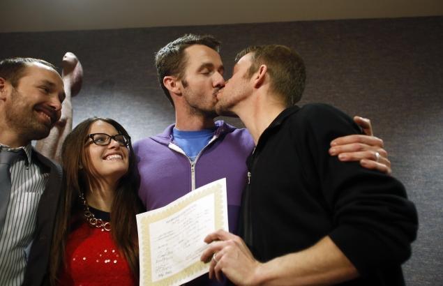 usa-gaymarriage-utah.jpg