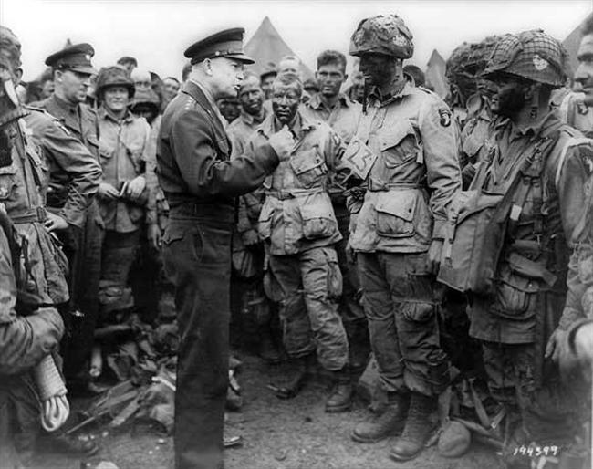 Eisenhower-Paratroopers-D-Day.jpg