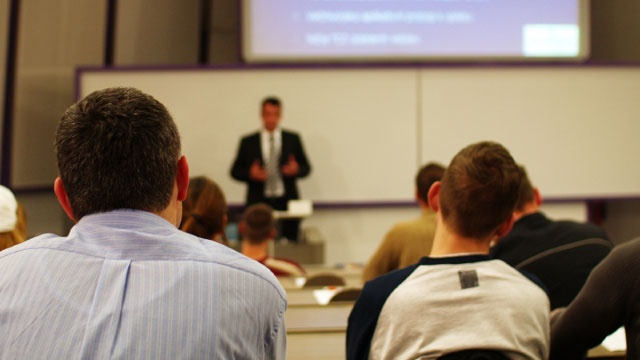 college-classroom-lecture-hall-jpg.jpg