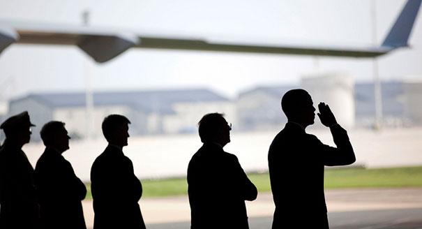 110809_obama_plane_dover_ap_6051.jpg