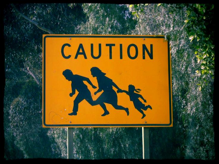 immigrant_crossing_san_diego_03-18-2004.jpg