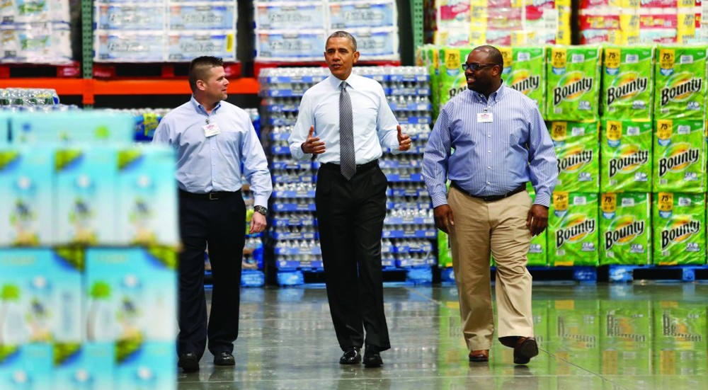 Shockingly, Costco co-founder Jim Sinegal is a big Obama supporter who spoke at the Democratic National Convention in 2012 where he formally endorsed him. (  Weasel Zippers)