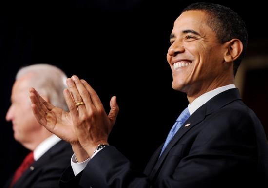 obama-clapping-550x385.jpg