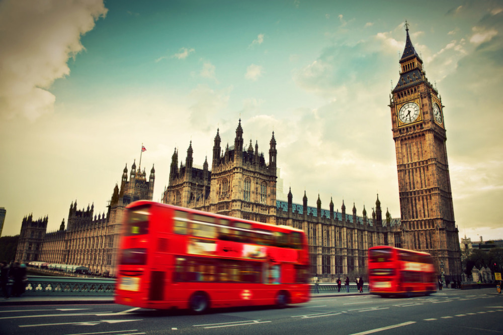 London, Big Ben, Westminster, Doppeldecker Bus, Bus, http://www.shutterstock.com/de/pic-139999093/stock-photo-london-the-uk-red-bus-in-motion-and-big-ben-the-palace-of-westminster-the-icons-of-england-in.html ,