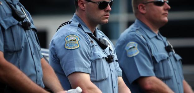 Justice Department Tells Ferguson Police To Stop Wearing Bracelets Supporting Darren Wilson