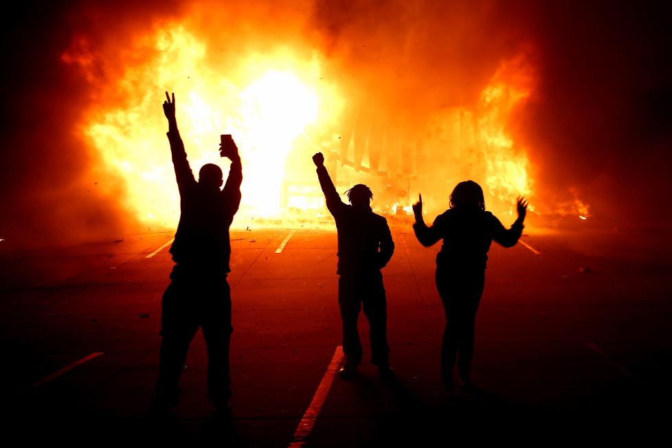 epaselect USA FERGUSON BROWN SHOOTING PROTEST