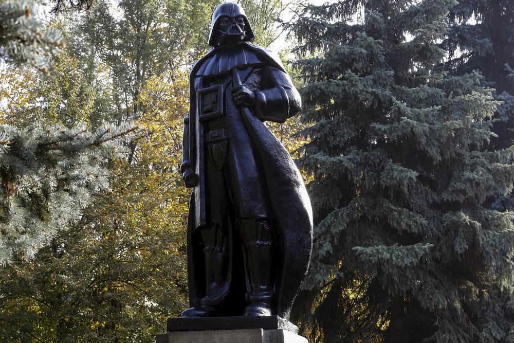 UKRAINE-ELECTION/STARWARS