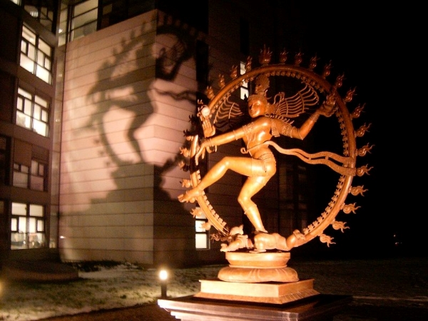 Cern-statue-of-Shiva-the-destroyer.jpg