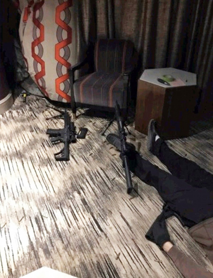 inside-hotel-room-vegas-killer-gun3.jpg