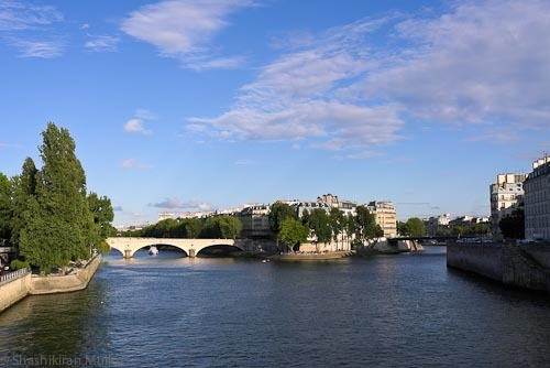 Across the Pont Nortre Dame