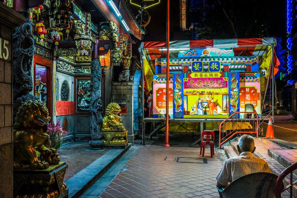 singapore-temple-puppet-show.jpg