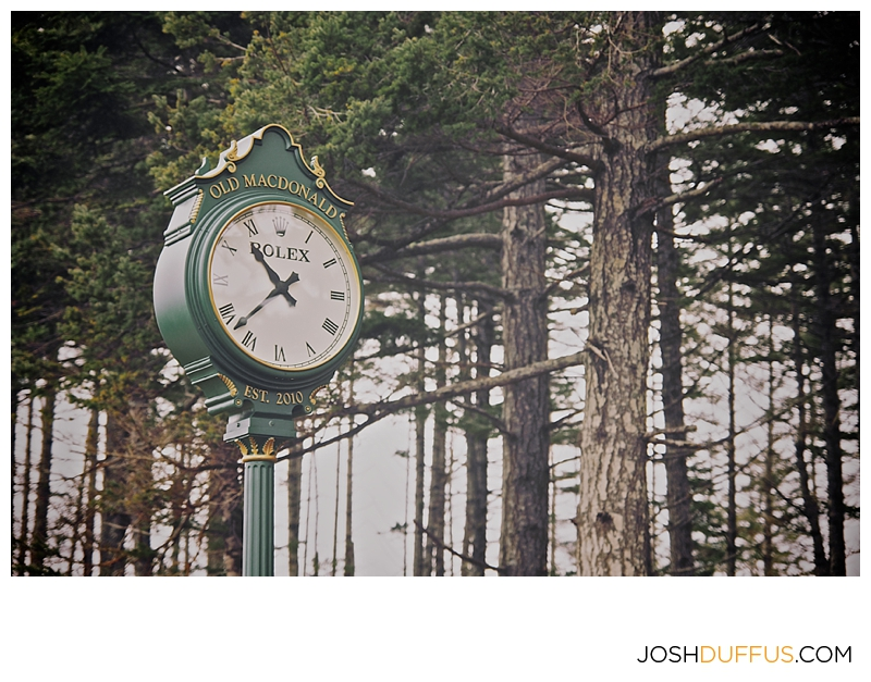 Someday I'll convince the powers that be that I need a clock this for our yard.