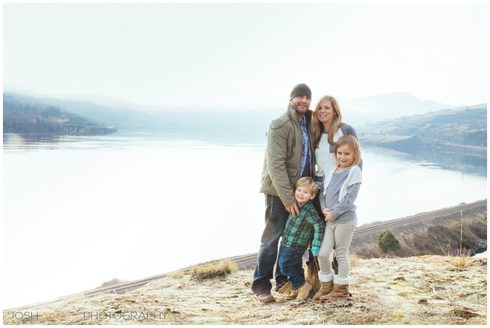 shinn-family-photography-columbia-river-gorge-joshduffus_0011.jpg