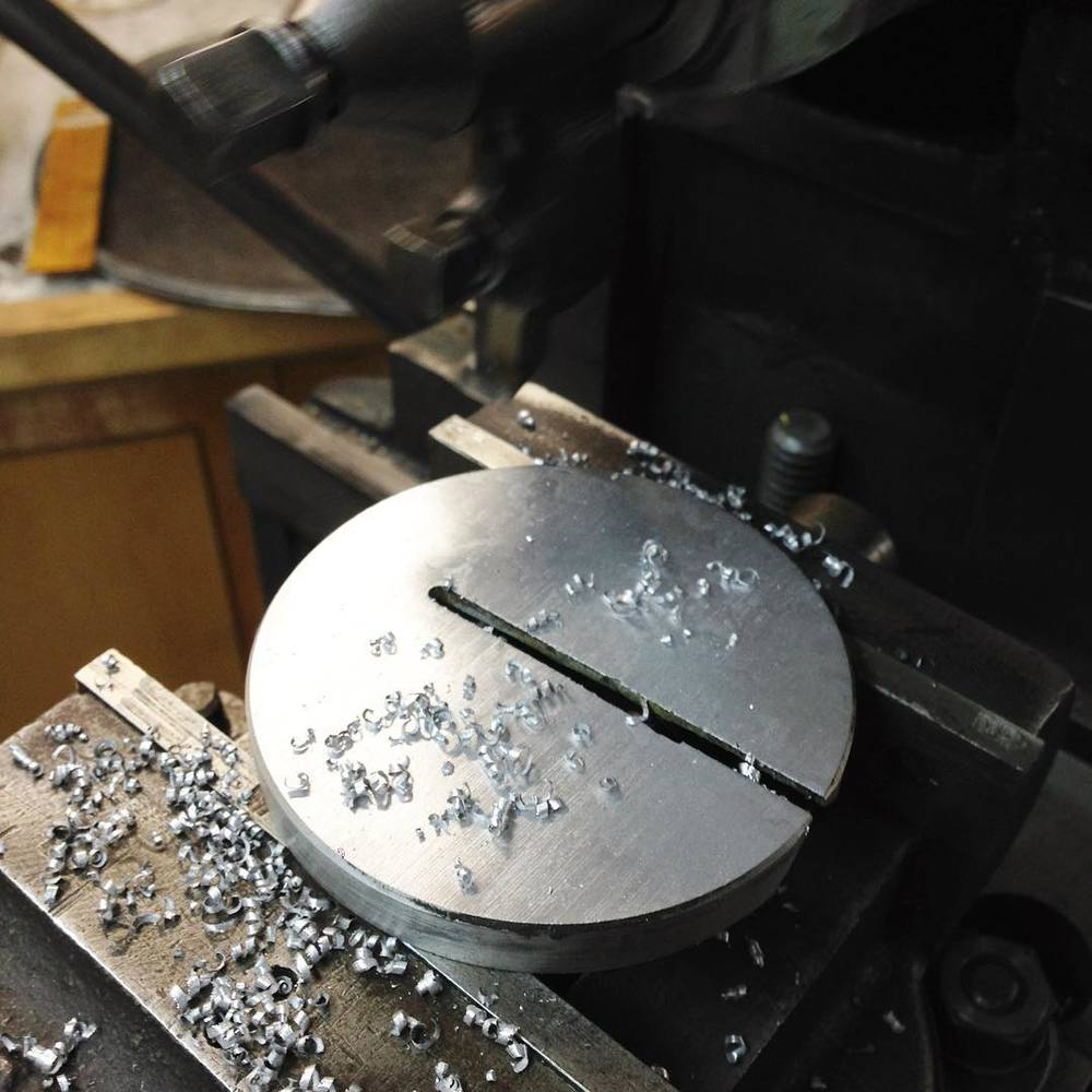 Using the Atlas to take a few thousandths off the zero-clearance plate for the #Oliver217.