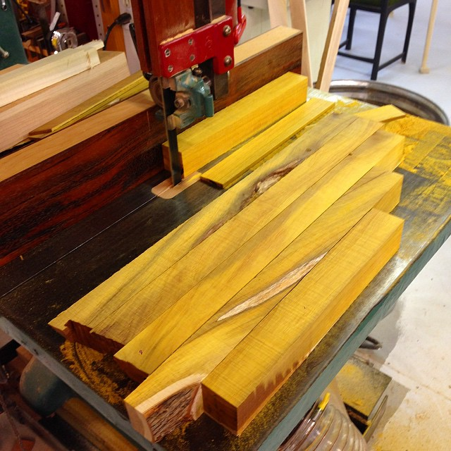 Resawing mallet parts to almost-final dimension after letting them settle over the weekend. This Osage eventually oxidizes into this really great rust color, but when you first mill it it looks like something Gatorade would invent.- just this bonkers highlighter-yellow. #carvingmallet #madeinhouston