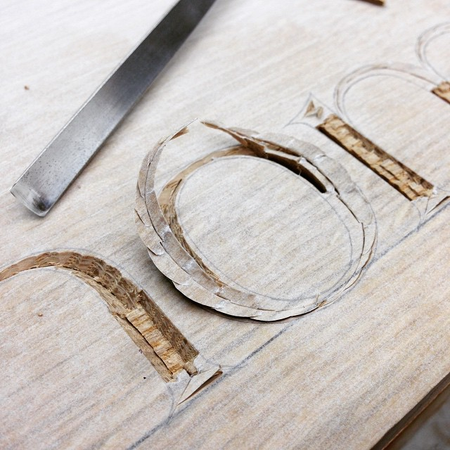 Chopping out an o. #o #lettercarving