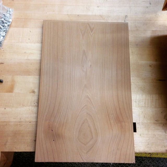 Doing a massive shop cleanup today, and I was excited to find this- my veneering-exercise board from College of the Redwoods in 2008. Resawn and bookmatched madrone veneer, with applied and captured edgebanding. I have learned so much since then, but almost every project I have made in the years since has in some way related to this little board. Good times. #crfw #veneer #ejler
