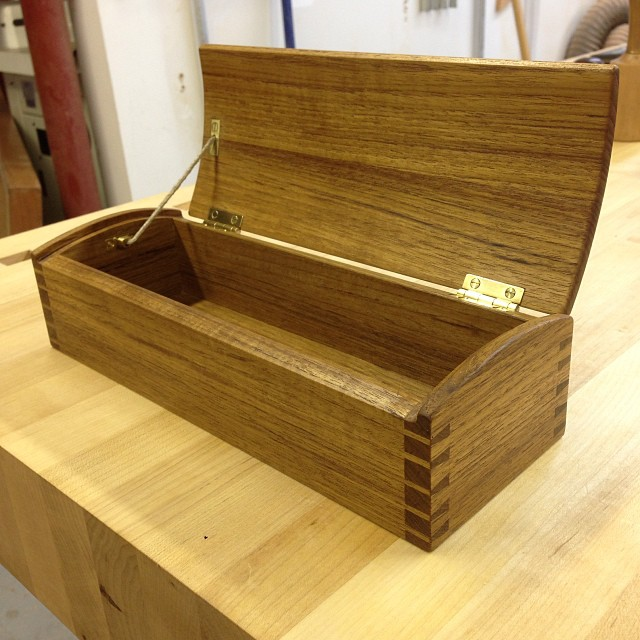 …And done! Dovetailed box with coopered lid. Frenchbread teak, shop made brass hardware and hemp lid stay. Happy woodiversary, @allison326. And thanks for following along, everybody! #letsmakeabox #madeinhouston
