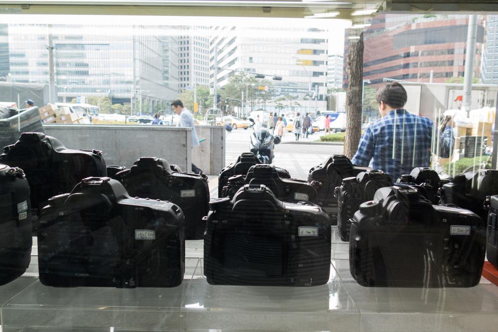 a1deb-inside-camera-stores-asia-stalman-28.jpg
