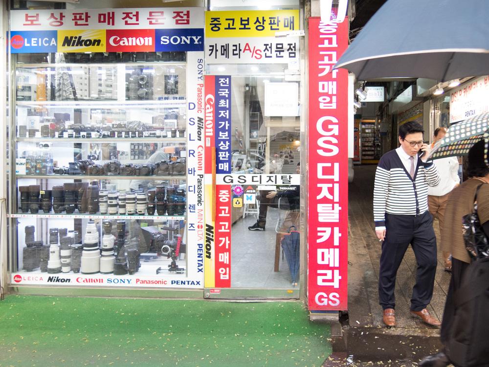 67114-inside-camera-stores-asia-stalman-3.jpg