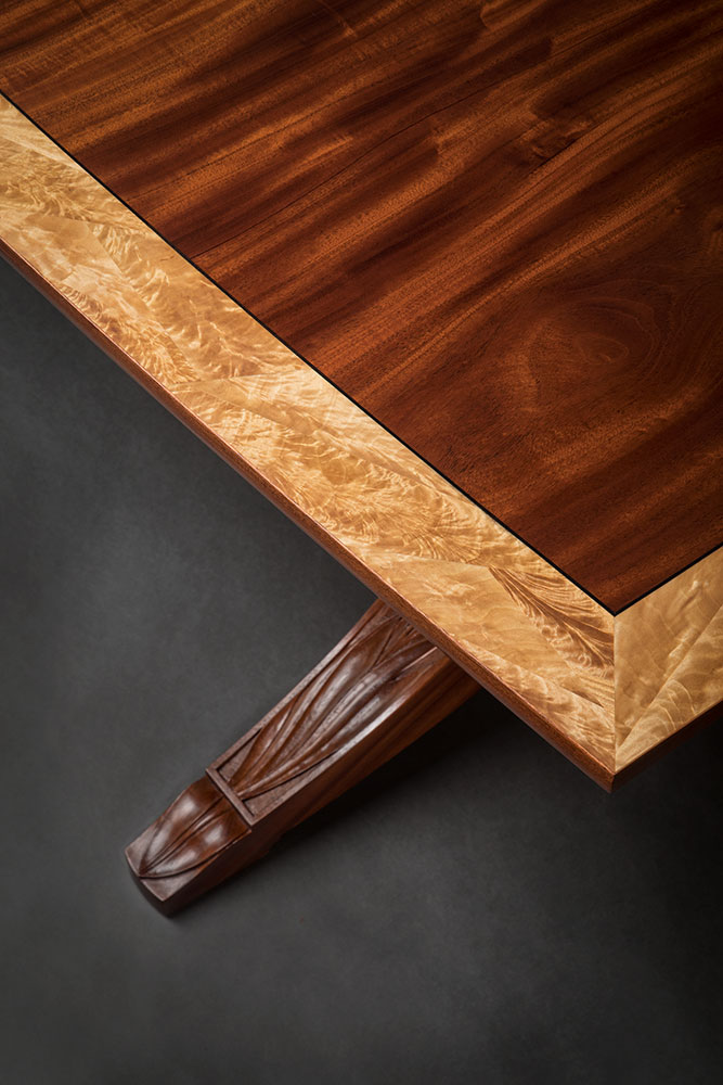 Salek dining table detail