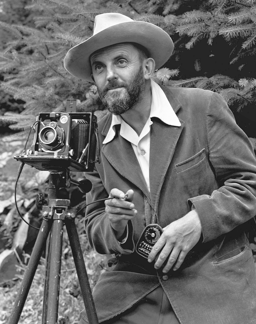 Ansel_Adams_and_camera.jpg
