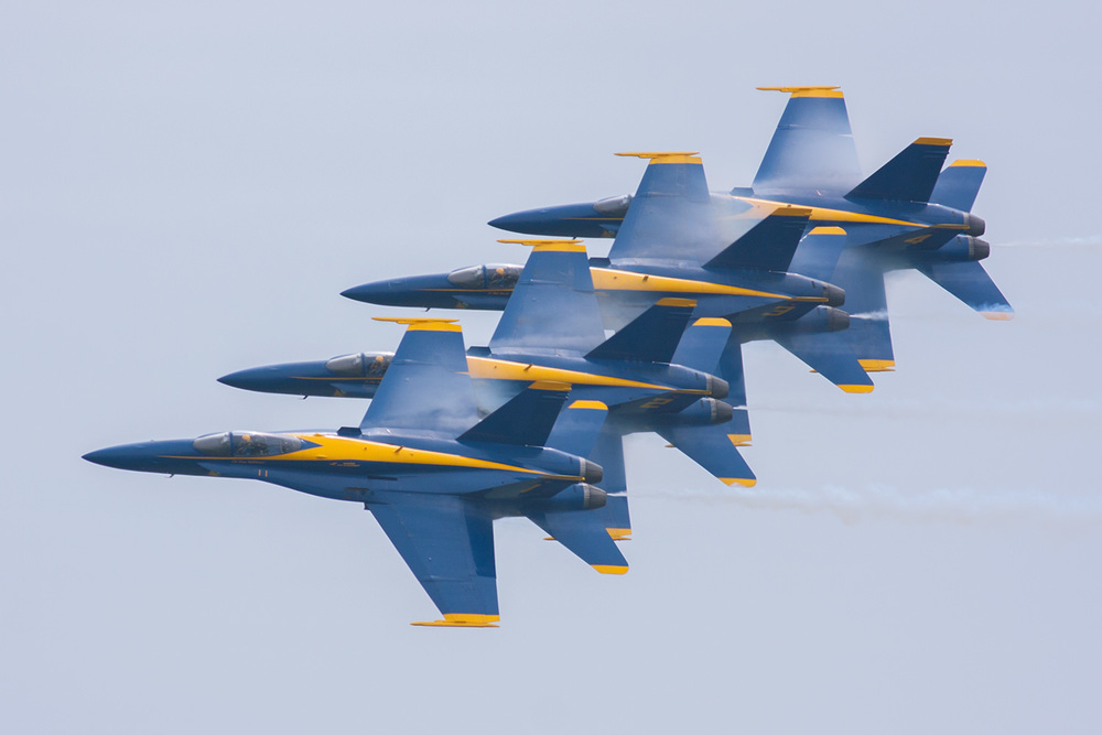 tight_formation_blue-angels.jpg