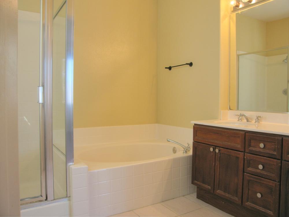 Las Flores Master Bath 2.jpg