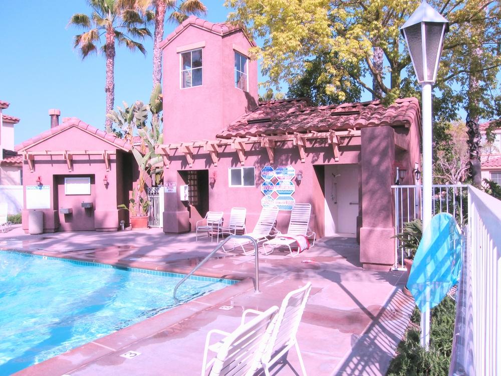 Las Flores Pool 2.jpg