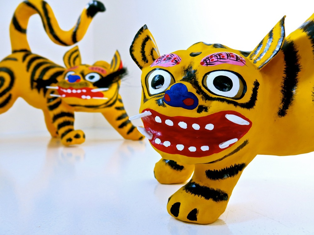 Hariko No Tora: papier-mâché tigers.