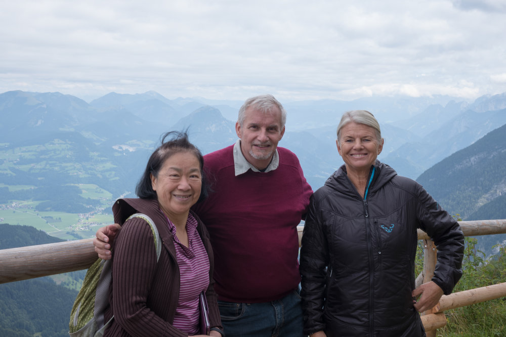 Linda, Bill, Annette: On the balcony of the Purtschellerhaus