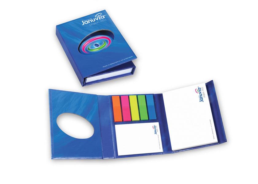 Momslag-bluebook.jpg