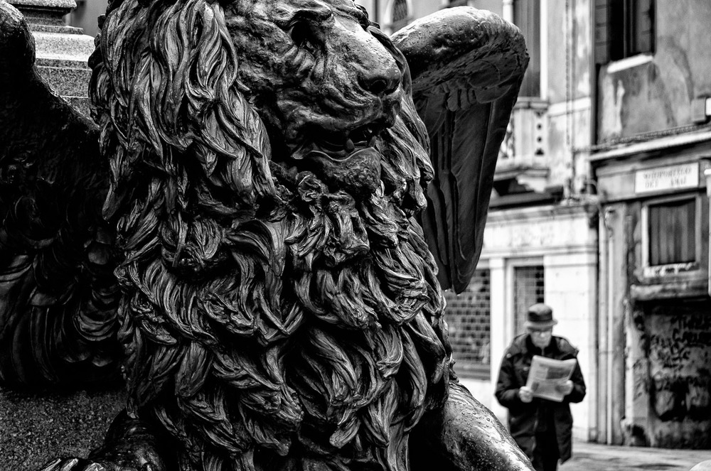 Venetian Lion with Man | Mark Lindsay