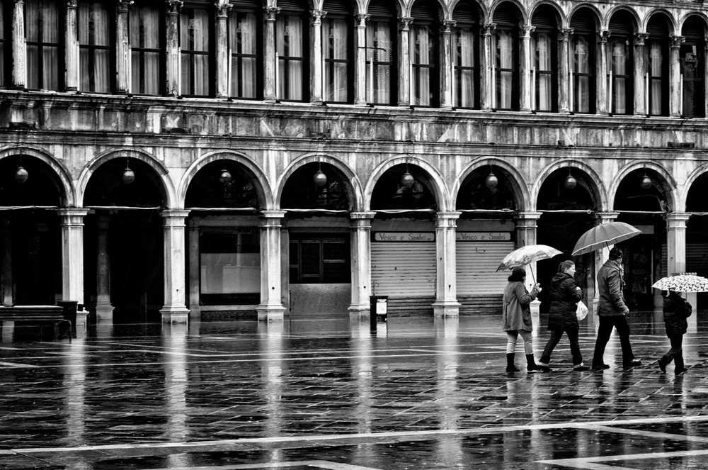Piazza San Marco, Christmas Day | Mark Lindsay