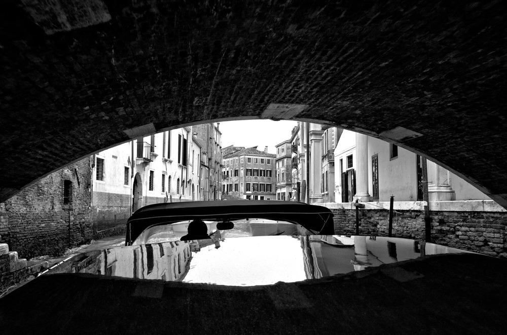 Under a Venetian Bridge | Mark Lindsay