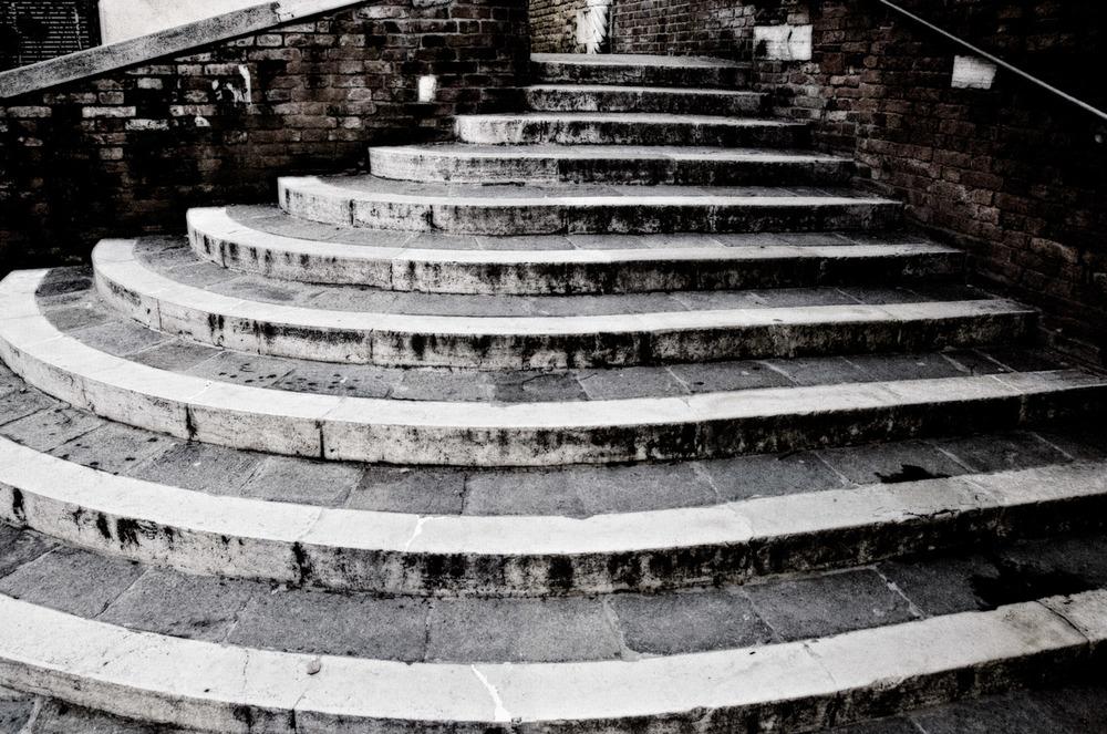 Venetian Stairs | Mark Lindsay