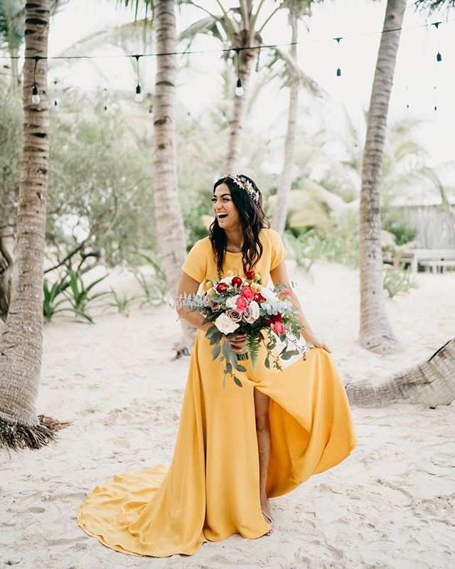 Take us back to those happy days!  WP: @dianaromo.weddings  Venue: @sanaratulum  Gown: @sarahseven  Headpiece: @suma_cruz_oficial  Makeup: @geni_makeup @espemake @stylingtrio  Flower: @vanessajaimesfloraldesign  #thetimeswehave #fridaenamorada #tulum #tulumwedding #mexicowedding #sarahsevenloveclub #sarahseven #destinationwedding