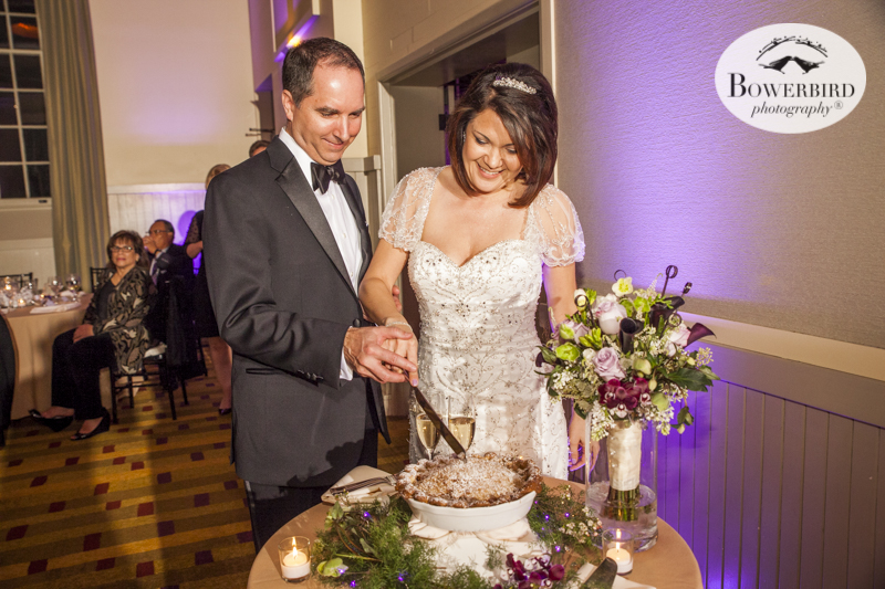 Cutting the wedding pie, at Cavallo Point Lodge. © Bowerbird Photography 2015