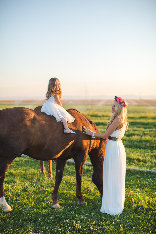 Lifestyle Family Photography Farm Session-6990.jpg