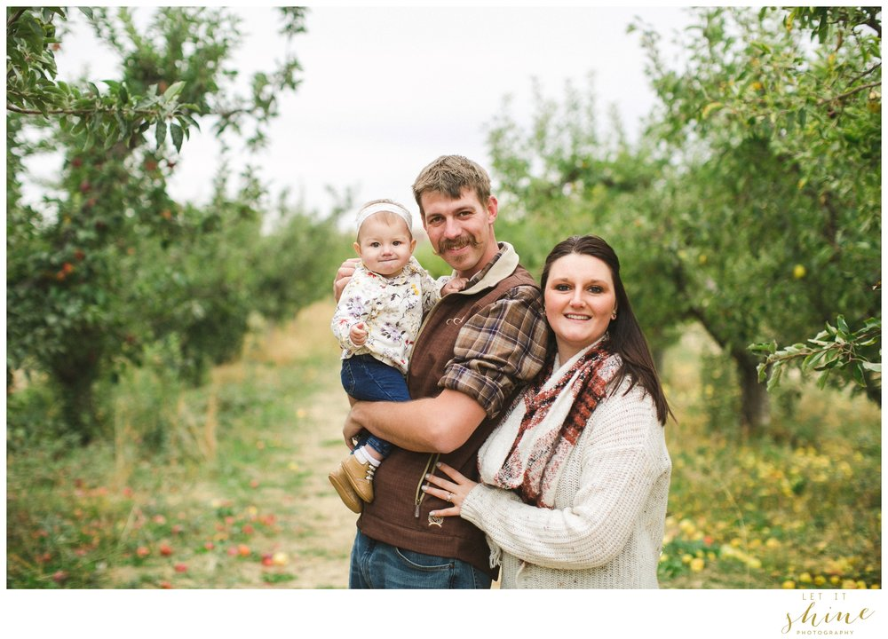 Fall Family Orchards Photos-8537.jpg