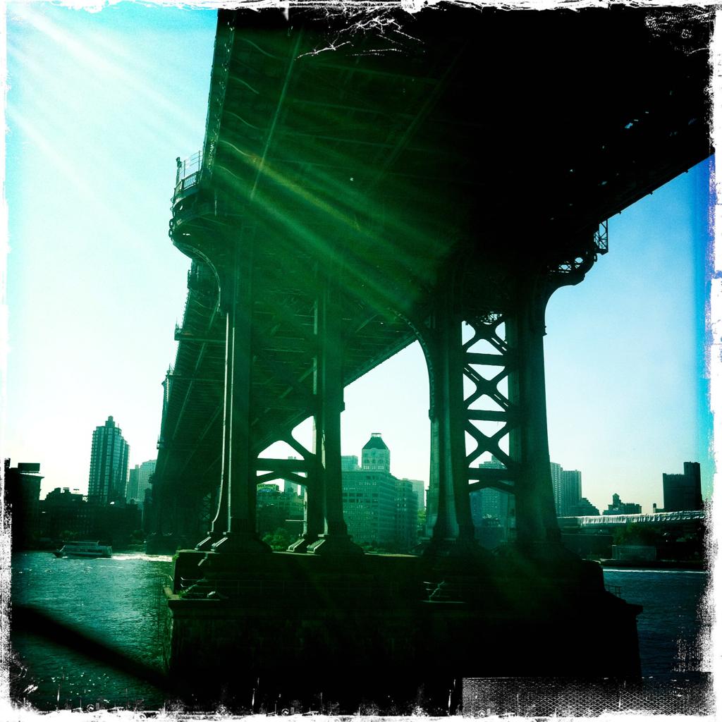 FDR and Manhattan Bridge 10:14 a.m.