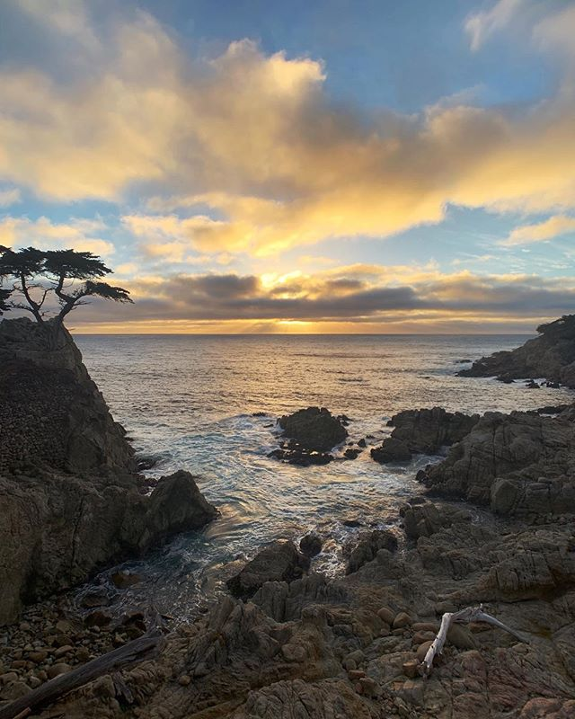 Amazing sunset at #PebbleBeach.
