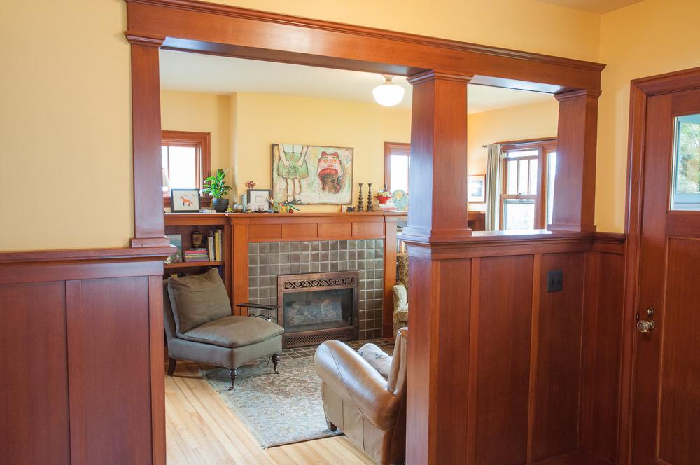 Maple Leaf entry-livingroom-1.jpg
